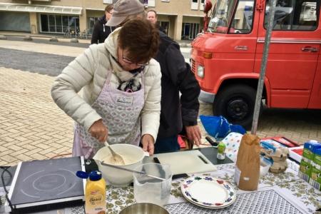 Smakelijke pannenkoeken op oogstfeest